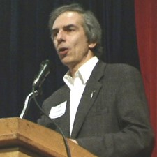 Jeff moderating the Evanston mayoral debate hosted by Central Street Neighbors (2009)